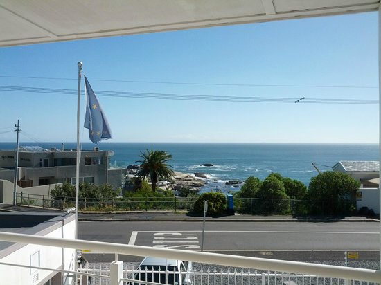 61 On Camps Bay: Beautiful view from our room