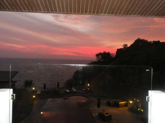 The Houben Hotel ( Adult Only ): Stunning Sunset views from your bed