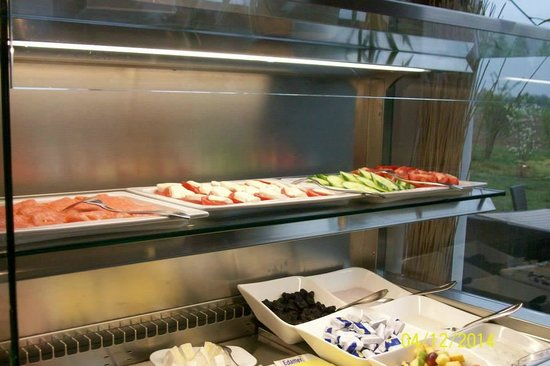Quality Hotel Muenchen Messe: Breakfast buffet