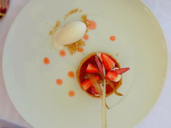 Restaurant Le Park 45: rhubarb and strawberry