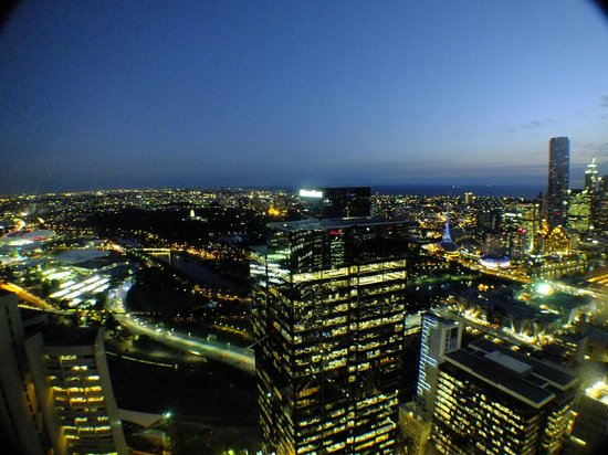 Sofitel Melbourne on Collins: Dusk view from room