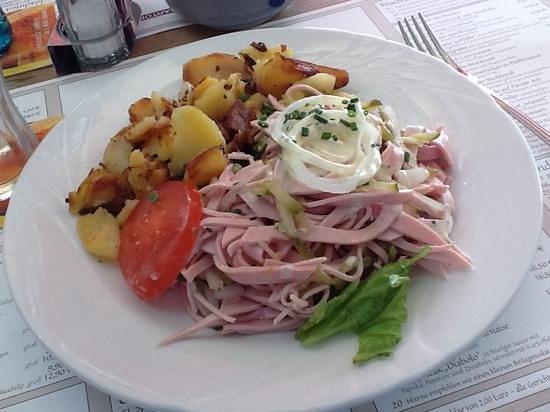 Kartoffel Restaurant Kiste : Trier-style wurst salad