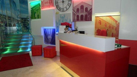 Hotel Milano Navigli: Hall