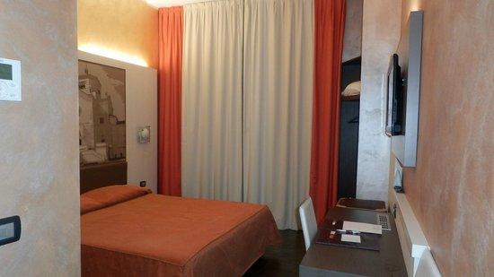 Hotel Milano Navigli: camera