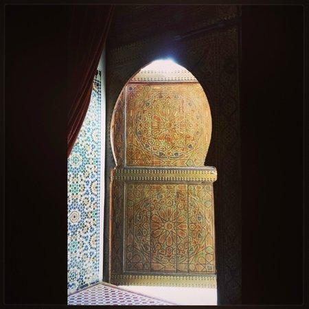 Riad Laaroussa Hotel and Spa: Door to the Orange suite. Gorgeous.
