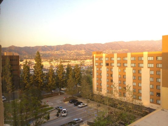 Los Angeles Marriott Burbank Airport: View from 7th floor