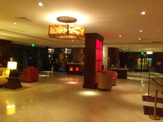 Los Angeles Marriott Burbank Airport : Lobby
