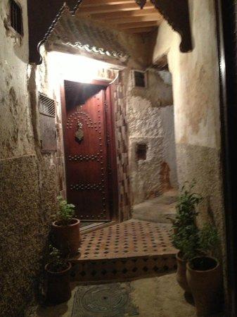 Restaurant dar hatim: Front Door