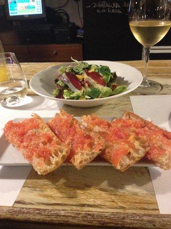 Bambarol: 24th April 2014, duck ham salad and tomato flat bread