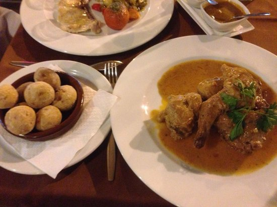 Folelé: Rabbit and Canarian potatoes