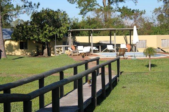 Irupe Lodge: Jardin del HOtel
