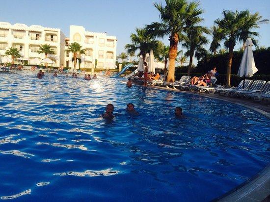 Tiran Island Hotel: Mermaids