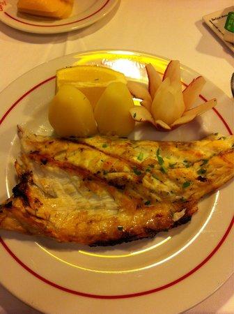 Restaurante Casa Velha : Robalo grelhado, maravilhoso