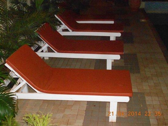 Resort De Crossroads : Pool area