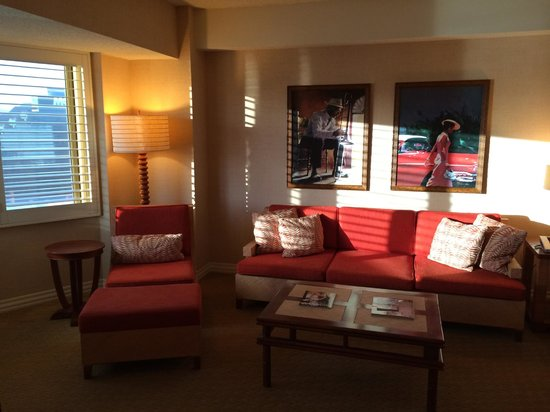 Tropicana Las Vegas - A DoubleTree by Hilton Hotel : Club Suite, Living Room