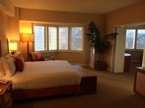 Tropicana Las Vegas - A DoubleTree by Hilton Hotel : Club Suite, Bed Room