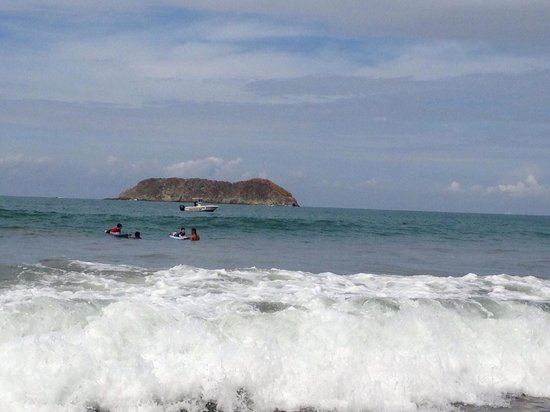 La Posada Private Jungle Bungalows: One on one surf lessons enabled our boys to be successful on their first lesson