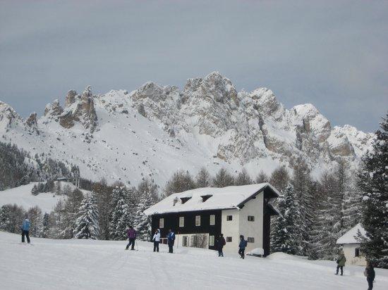 Hotel Miramonti: Superbe vue sur les Dolomites (Atemberaubende Aussicht auf die Dolomiten)