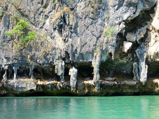 Phuket Sail Tours: Scenery looking like statues