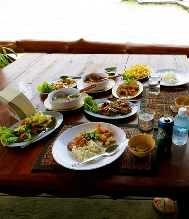 Phuket Sail Tours: Our lunch