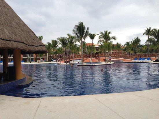 Barcelo Maya Caribe: la piscina bar