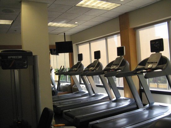 Hilton Knoxville: Fitness center