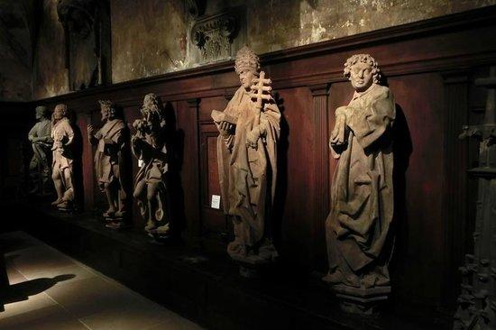 Musée de l'Œuvre Notre-Dame: Statuen