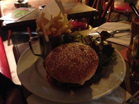 Le Café Pierre : Cheesburger