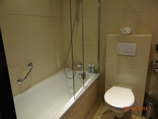 Best Western Blue Tower Hotel: baño
