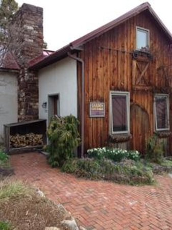 Glasbern Inn - Fogelsville / Allentown : Garden Cottage