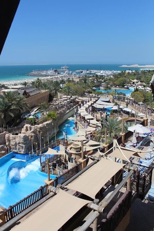 Wild Wadi Water Park : View over the water park