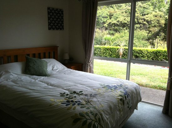 Little Forest Bed & Breakfast: warm and comfortable room