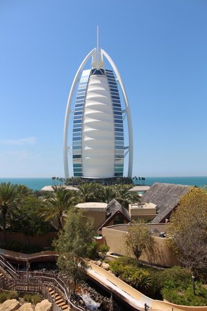 Parque Acuático Wild Wadi: View of the Burj Al Arab