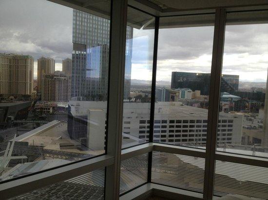 ARIA Resort & Casino: 7th floor corner next morning