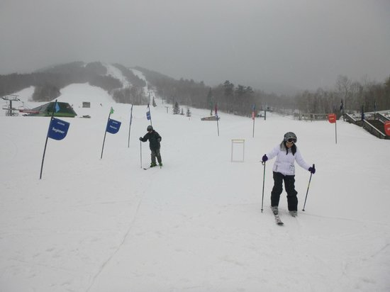 Black Bear Lodge : Learning to ski