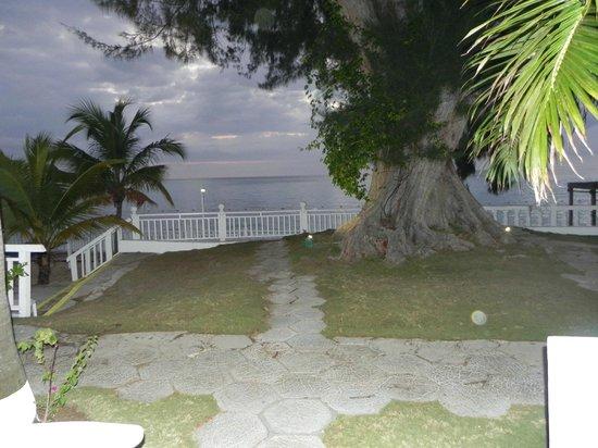 Royal Decameron Montego Beach: East End