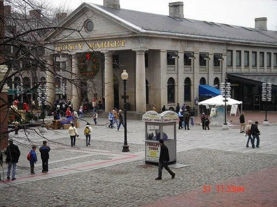 Enfrente - Picture of Faneuil Hall Marketplace, Boston ...