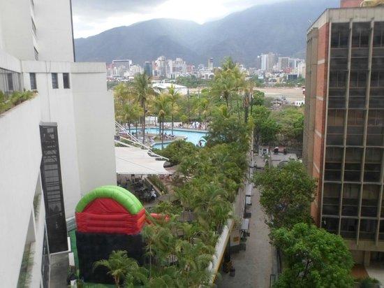 Eurobuilding Hotel and Suites Caracas: piscina