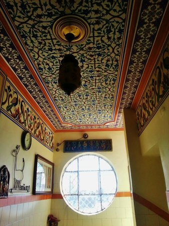 Hotel Pearl Palace: Beautiful hall ceiling
