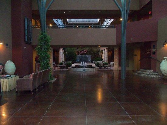 Sedona Rouge Hotel and Spa: Impressive Lobby
