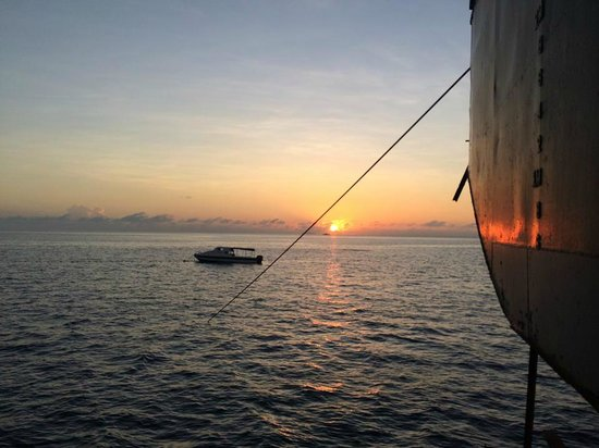 Seaventures Dive Rig: Sunrise from the rig