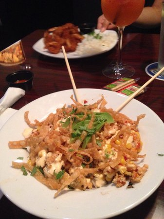 Hula Moon : Thai Chicken Bowl