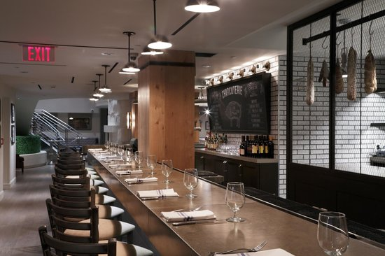Loews Boston Hotel: Precinct Kitchen + Bar