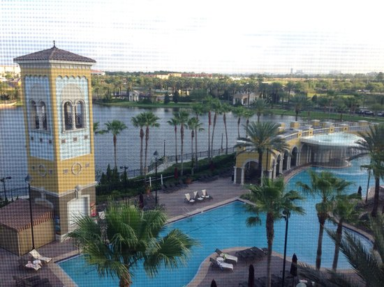 Hilton Grand Vacations at Tuscany Village: View of the pool from our room in Building 1 - quiet in the mornings, noisy all other times!