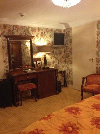 Hotel Estherea : Quarto