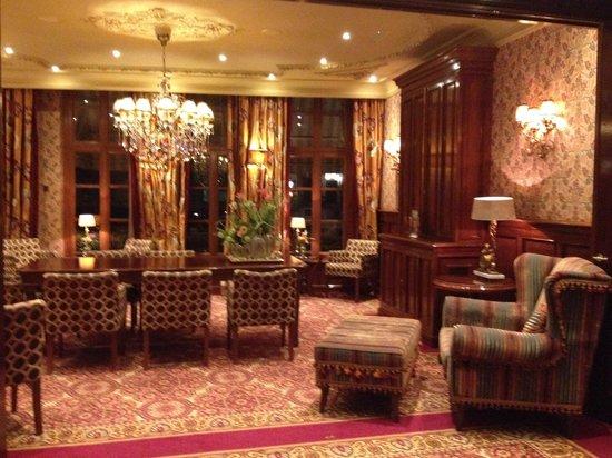 Hotel Estherea : Sala de estar