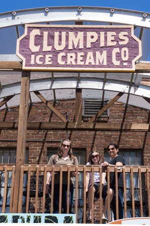 Clumpies Ice Cream Co.: Back Deck