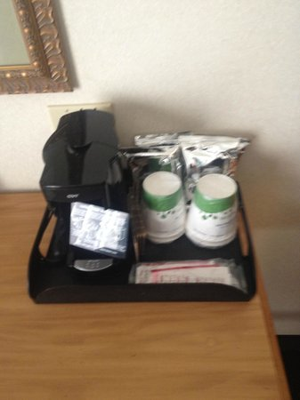 Hampton Inn and Suites Chincoteague-Waterfront: in-room coffee