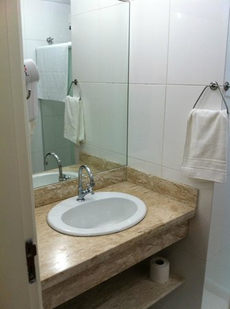 Ocean View Hotel: Banheiro