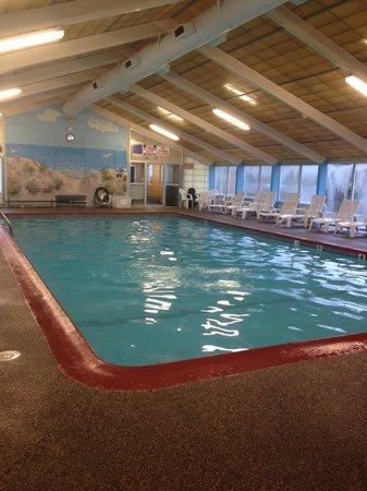 Tidewater Inn : Indoor Pool